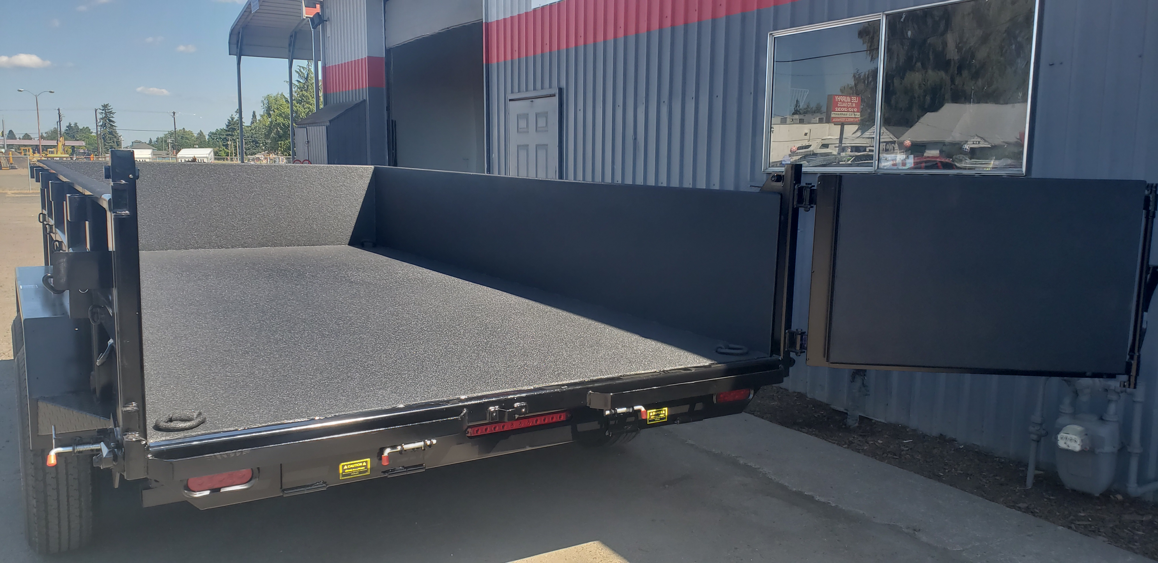 S&R Motorz provides Truck Accessories, Spray on Bedliners, Trailer hitches and installations, Window tinting, Wheels and tires